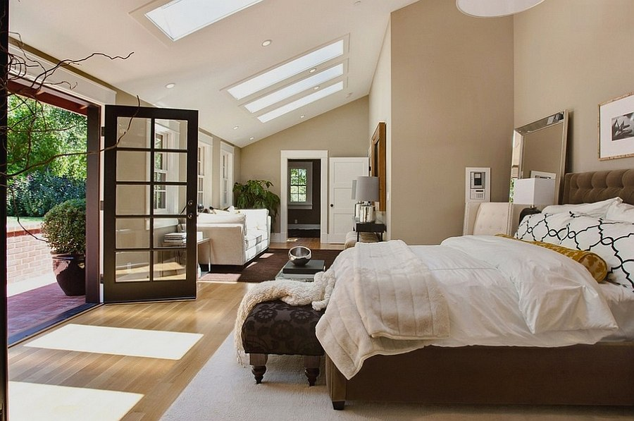 Fabulous-master-bedroom-with-a-private-deck-and-luxurious-decor
